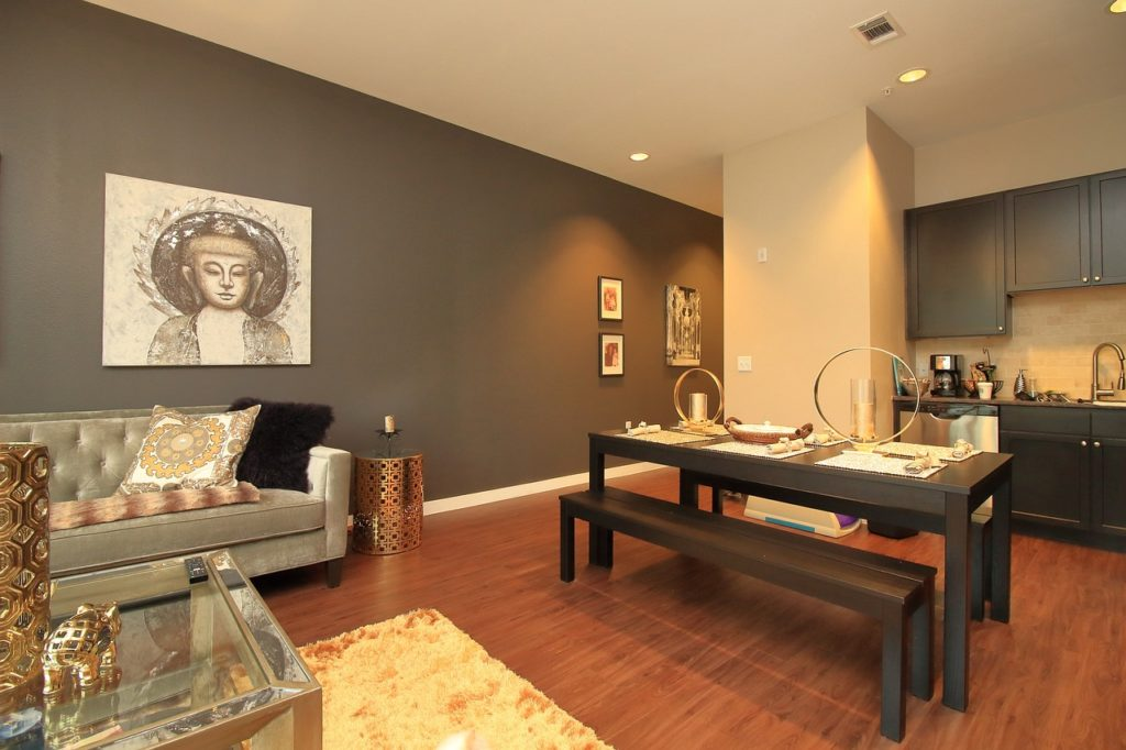 Calm Castle Home Staging tips - rooms without clutter are more appealing
